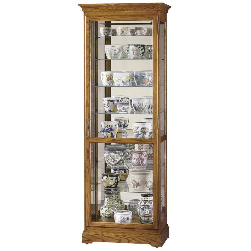 Узкая стеклянная витрина Howard Miller - Chesterfield II
