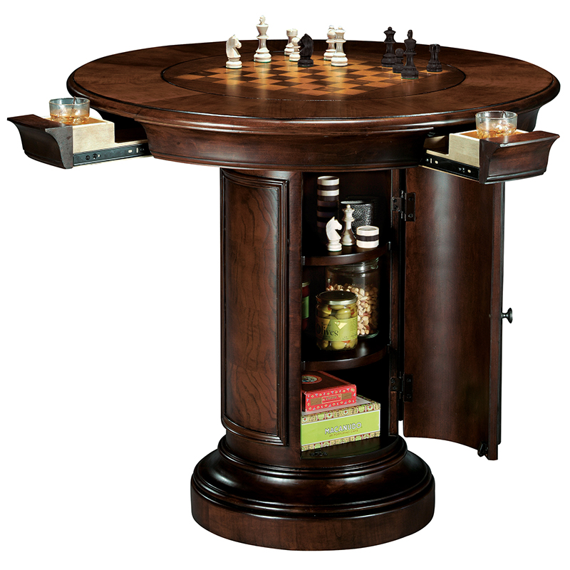 Карточные столы и стулья